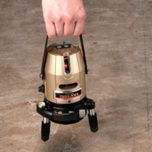 レーザー墨出し器の持ち運び 説明画像