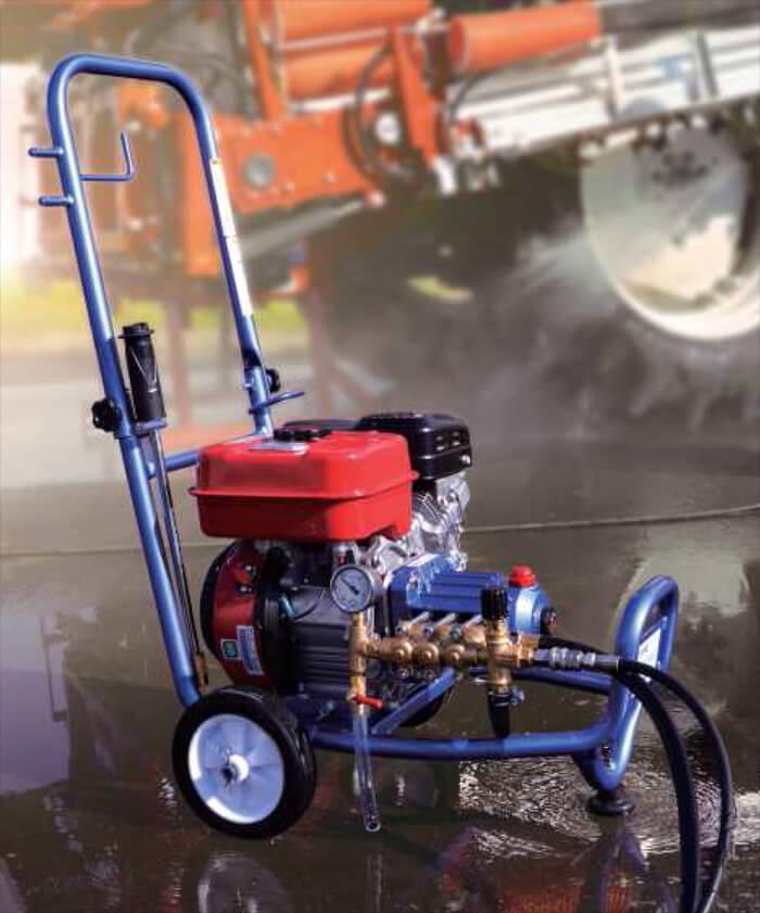 エンジン高圧洗浄機