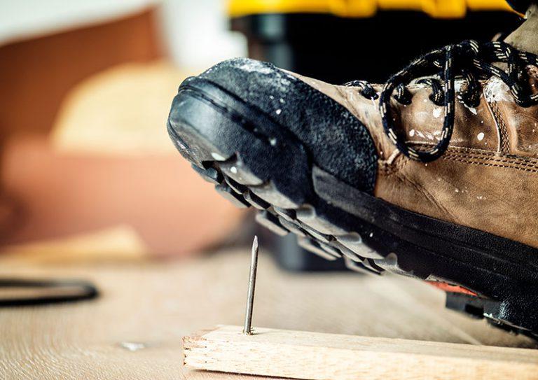 【安全靴の規格が一発で分かる】 JIS規格とJSAA規格一覧の違いと選び方のポイント
