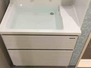 洗面台のスキマ