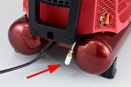消音エアフィルター標準装備